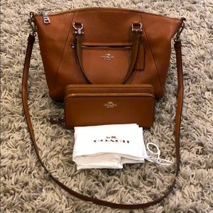 EUC!  COACH bag & Wallet bundle